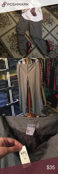 "🆕 Ann Taylor Trousers BNWT Ann Taylor Signature Fit trousers. Fits just below the waist. Fully lined. Gorgeous slacks. 32"" inseam. 12"" thigh laying flat. Blouse and scarf not available. BCBG pumps and Talbots purse sold separately. Ann Taylor Pants Trousers"