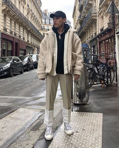 Street fashion plug on oufits - streetfashion 2018 trends in 2019 fashion, teen Fall Fashion Outfits, Men's Fashion, Tokyo Fashion, Fashion Ideas, Tall Men Fashion, Mens Fashion Sweaters, One Step, Streetwear Fashion, Street Style