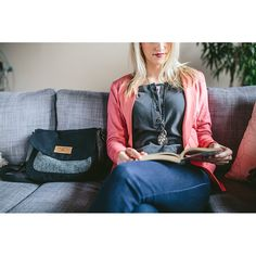 Our brand new Companion Purse is outfitted with antique brass hardware, striking Harris Tweed and wax combinations and attractive leather accents, making it a must-have accessory for any time of year.