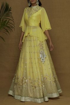 designer lakhnavi yellow lehenga choli for bridal. For order whatsapp us on to wear to a wedding muslim simple designer lakhnavi yellow lehenga choli for bridal Party Wear Indian Dresses, Indian Gowns Dresses, Indian Bridal Outfits, Indian Fashion Dresses, Dress Indian Style, Fancy Blouse Designs, Stylish Dress Designs, Designs For Dresses, Stylish Dresses