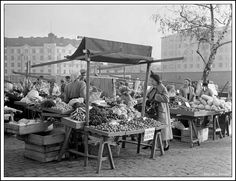 Helsinki Finland Hakaniemi Market Square 1940s History Of Finland, Howls Moving Castle, The Old Days, Historical Pictures, Before Us, Helsinki, 50th Birthday, Time Travel, Museums