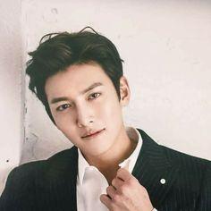 J wookie 💖💕💕 Ji Chang Wook Smile, Ji Chan Wook, World Handsome Man, Handsome Actors, Asian Actors, Korean Actors, Ji Chang Wook Photoshoot, Charming Eyes, Hot Korean Guys