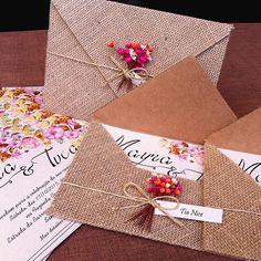 Bom dia!! Que convite lindo!! Adorei o envelope! . .  Snapchat: carolinamanna ➡️Blog: www.assessoriaprecasamento.com . Convite: @lacaroteconvites #convitedecasamento #weddinginvitation #casamento #wedding #weddingideas #weddingblog #bride #bridal #noiva #noivo #groom #bridetobe #apc #assessoriaprecasamento #blogdenoivas #apaixonadaporcasamento
