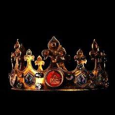 Medieval Crown,Amiens Cathedral, France (14th c.; gold,semiprecious gemstones).