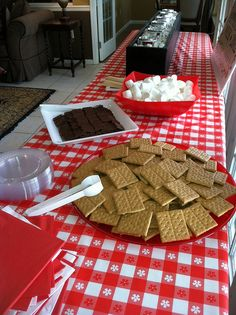 #Smores Bar #DIY #RAevents S'mores bar for a party - that set up was so easy!