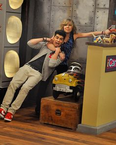 Good episode, found myself laughing at stupid jokes just because One Direction said them<3 I love the way Harry says handgun(: Niall is so funny to watch<3