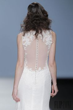 Cymbeline 2015 collection - Bridal - http://www.flip-zone.net/fashion/bridal/the-bride/cymbeline-4740