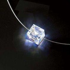 Illuminated necklace