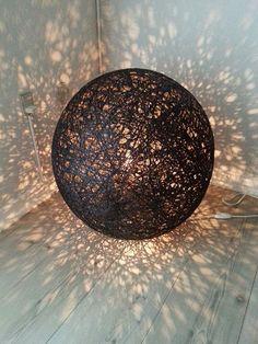 Lampe lavet af garnrester - set på facebook