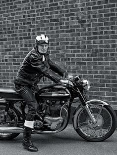 Vintage Motorcycles via Cafe Racer Italia Norton Motorcycle, Cafe Racer Motorcycle, Classic Motorcycle, Motorcycle Fashion, Enfield Motorcycle, British Motorcycles, Vintage Motorcycles, Classic Bikes, Classic Cars