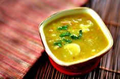 Vegetarian Potato soup Recipes is One Of the Liked soup Recipes Of Numerous People Round the World. Besides Easy to Create and Great Taste, This Vegetarian Potato soup Recipes Also Healthy Indeed. Veg Soup, Vegetable Soup With Chicken, Potato Vegetable, Curry Soup, Vegetable Soup Recipes, Chicken And Vegetables, Vegetarian Recipes, Cooking Recipes, Vegetarian Curry