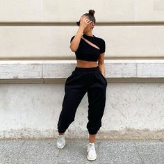 Fashion Tips School .Fashion Tips School Cute Comfy Outfits, Sporty Outfits, Retro Outfits, Stylish Outfits, Fall Outfits, Summer Outfits, Outfits For Teens, Sweatpants Outfit, Hoodie Outfit