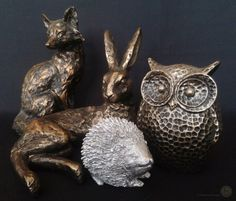 4 x Plastic Resin Animal Figures (3 x Bronze effect, 1 x Silver Glitter) - 4 x Plastic Resin Animal Figures (3 x Bronze effect, 1 x Silver Glitter) Fox 19.5cm Tall Silver Glitter Hedgehog 7.5cm Tall Laying Hare 27cm Long Owl 13cm Tall  Condition: Good. See photos - https://shop.primmandpropper.co.uk/product/4-x-bronze-effect-plastic-resin-animal-figures-2 -  #Figurines #Foxes #Hares #Hedgehogs #Owls - 19.99