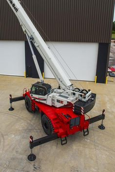 Link-Belt is bringing a new rough terrain crane to the market with the longest full-power boom available Crane Construction, Heavy Machinery, Outdoor Power Equipment, Transportation, Belt, Link, Tractors, Belts, Waist Belts