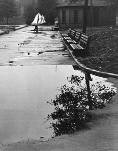 Andre Kertesz. USA. New York. Homing Ship. 1944