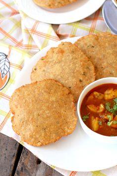Bedmi puri recipe, how to make bedmi puri, urad dal kachori Puri Recipes, Soup Recipes, Indian Snacks, Indian Food Recipes, Aloo Sabzi Recipe, Indian Vegetarian Dishes, New Recipes For Dinner, Indian Breakfast, Mantra