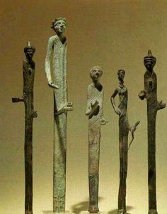 - Figurillas etruscas