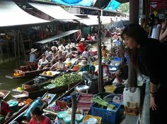 Floating Market Bangkok - Photo Essay > What Boundaries? Live Your Dream! Floating Market Bangkok, Bangkok Photos, Photo Essay, Travel Photographer, Exploring, Dreaming Of You, Thailand, Marketing, Pictures