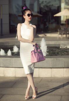 Đầm Xẻ Lưng Ngọc Trinh