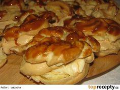Karamelové veterníky Cookies, Baking, Breakfast, Cake, Food, Cooking Recipes, Kochen, Bread Making, Breakfast Cafe