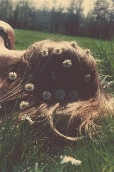 Daydreaming in the summer heat. black an white photography. she had love in her eyes and flowers in her hair. Field Of Dreams, Foto Art, Belle Photo, White Photography, Hair Photography, Hippie Photography, Photography Flowers, Her Hair, Hippie Boho