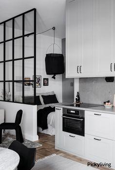 Tiny Studio Apartments, Studio Apartment Layout, Small Apartment Design, Studio Apartment Decorating, Apartment Interior Design, Deco Studio, Student Apartment, Tiny Spaces, Trendy Home