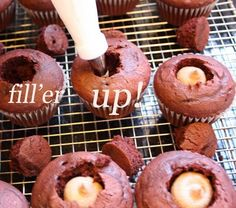saucy's sprinkles (bloggedy blog blog): cupcake tutorial