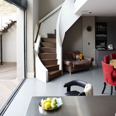 Esszimmer Wohnideen Möbel Dekoration Decoration Living Idea Interiors home dining room - Modernes Esszimmer mit Treppe