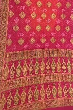 Pure Georgette Sarees, Bandhani Saree, Shah Alam, Buy Sarees Online, Out Of Style, Unique Art, Indian Fashion, Bohemian Rug, Tie Dye