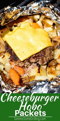 These easy foil packets are a great way to make a quick dinner on the grill! These Cheeseburger Hobo Packets are made with potatoes carrots and a homemade cheeseburger! Such a simple foil packet recipe and so delicious! via Gimme Some Grilling Tin Foil Dinners, Foil Packet Dinners, Foil Pack Meals, Hobo Dinners, Foil Packet Recipes, Dinners On The Grill, Hobo Dinner Recipes, Grill Meals, Grilled Foil Packets