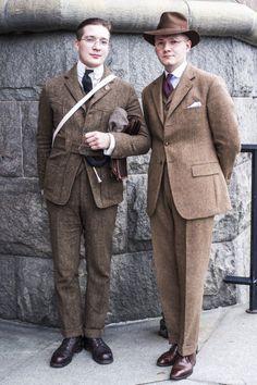 Menswear — Tweed Run, Stockholm. 1940s Mens Fashion, Retro Fashion, Vintage Fashion, Victorian Fashion, Fashion Fashion, Mens Tailored Suits, Mens Suits, Tweed Suits, Suit Men