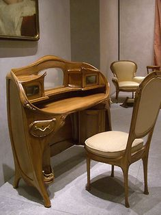 Hector Guimard, Paris, desk & chair, 1903. (Musée d'Orsay)