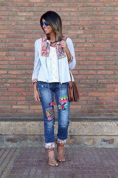 la chaqueta de moda How To Patch Jeans, Diy Fashion, Fashion Outfits, Estilo Hippy, Mode Jeans, Look Boho, Refashion, Distressed Denim, Diy Clothes
