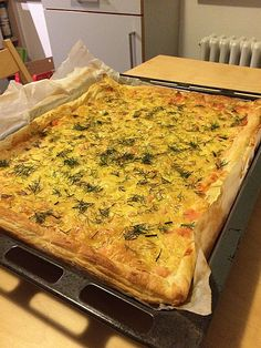 Swedish salmon cake & pizza& Schwedischer Lachskuchen 'Schwedenpizza' Swedish salmon cake & (recipe with … - Shellfish Recipes, Shrimp Recipes, Salmon Recipes, Tart Recipes, Pizza Recipes, Cooking Recipes, Pizza Snacks, Party Snacks, Cheese Appetizers