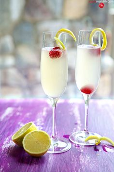French 75 Cocktail | An elegant cocktail recipe with lemon, gin & Champagne | MarlaMeridith ( @marlameridith )