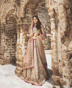 Pinterest: @pawank90 Pakistani Wedding Dresses, Indian Wedding Outfits, Pakistani Bridal, Indian Outfits, Pakistani Couture, Desi Clothes, South Asian Wedding, White Bridal, Beautiful Dresses