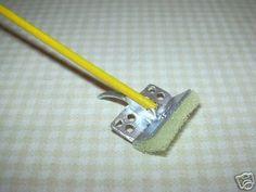 Miniature A++ Sponge Mop w/Yellow Handle: DOLLHOUSE