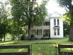 The Historic 1898 Woodrow Baird Folk Victorian Farmhouse in Wilson County Rutland, Tennessee