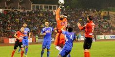 Nogometaši Slobode i Radnika odigrali su neriješeno 1:1u prvoj utakmici finala Kupa Bosne i Hercegovine u Tuzli. Sloboda je povela u 36. minuti...