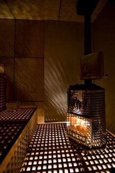 Kuva kiukaasta by Raakkel Närhi, sauna Harri Markkula Tilassa Oy Outdoor Sauna, Clean Life, Cube Design, Home Spa, Minimalist, Hot Tubs, Traditional, Pools, Modern
