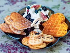 Fluffy Waffles, Piece Of Cakes, Pancakes, Brunch, Food And Drink, Cooking, Desserts, Breakfast Ideas, Bubble
