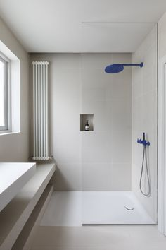 minimalism style bathroom by mwaiarchitects