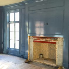 Blue lacquered walls for his office ✔️. Custom Millie Brown limestone mantel up next. #sitevisitfun #courtneygilesinteriors #lacqueredwalls