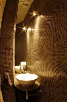 Guest small bathroom by  LAURO GHEDINI & PARTNERS architecture & design studio