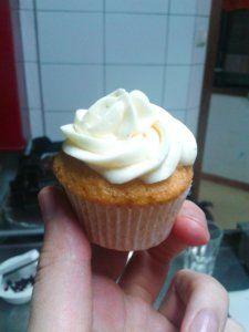 Fehércsokis-vaníliás mini cupcake   angyalgalushka
