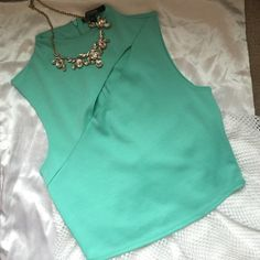 Top Beautiful summer top. Tiffany color Guess Tops Crop Tops