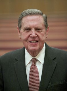 Elder Holland: How to Improve Even When We've Failed Before... With New Year's resolutions right around the corner, learn what advice Elder Jeffrey R. Holland has for those of us who long to change our ways. Be the first to read an excerpt from Elder Jeffrey R. Holland's new book, To My Friends.