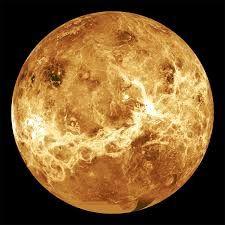 MERCÚRIO Mercúrio é um planeta que não possui  vida, pois sua temperatura é muito alta que pode atingir a 350 graus , e a temperatura mínima é de 170 graus.Sua posição é primeiro lugar ,sua rotação dura 59 dias e a translação dura 87 dias. Sua  distancia do Sol é 58 m de km. Seu planeta n possui satélites  e é composto por: hélio , sódio e oxigênio. Curiosidades: Mercurio não possui satélites.Natacha e Raquel