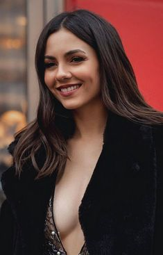 Beautiful Celebrities, Gorgeous Women, Victoria Justice Outfits, Stylish Girl Images, Celebrity Beauty, Gal Gadot, Hot Actresses, Hollywood, Lady