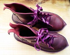 Pointed purple fairy boots